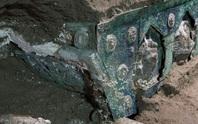 Đỏ mặt với báu vật nguyên vẹn từ thành phố bị chôn vùi 2.000 năm