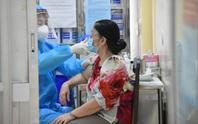 Tiêm vắc-xin mũi 2 bị dị ứng và tiêu chảy?