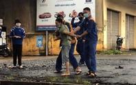 Hoàng Hắc Hổ ném đá người đi đường, khiến 1 phụ nữ bị thương