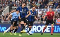 Inter Milan sẩy chân, AC Milan thăng hoa