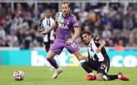 Khiến Newcastle thảm bại ngày ra mắt chủ mới, Tottenham qua mặt Man United