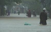 Mưa lớn tới hơn 700 mm, nhiều tỉnh miền Trung, Tây Nguyên ngập nặng, lũ lớn