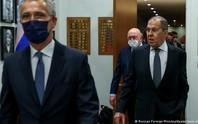 Nga đáp trả không nương tay với NATO