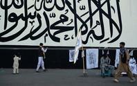 """Taliban bị hàng trăm người """"đòi nợ"""""""
