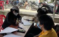 """Huyện Hóc Môn: Nhiều trường hợp tự giác trả lại tiền hỗ trợ đã nhận """"dư"""""""