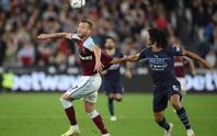West Ham quét sạch đại diện Manchester, hiên ngang đoạt vé tứ kết League Cup