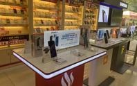 Nhiều người tìm mua điện thoại Vsmart để làm kỷ niệm