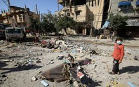Khói lửa ngập trời, Israel dồn quân ra biên giới