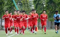 """Bảo vệ ngôi vương SEA Games, U22 Việt Nam """"luyện công"""" trong nắng nóng"""