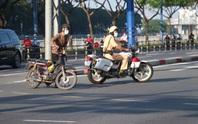 Đủ kiểu thi gan với CSGT trên đường Võ Văn Kiệt, TP HCM