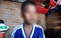 Vụ học trò nghèo bị giữ học bạ: Hiệu trưởng không dạy vẫn nhận tiền đứng lớp
