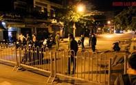 Cận cảnh nội bất xuất, ngoại bất nhập ở 6 địa điểm tại Hóc Môn đêm 25-6