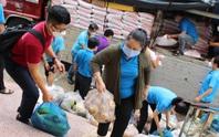 Chuyến xe nghĩa tình của tỉnh Trà Vinh đến với công nhân Thành phố Hồ Chí Minh