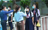 Tuyển sinh lớp 10 tại TP HCM: Nên xét tuyển cả hệ chuyên