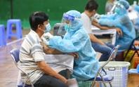 Ngày đầu triển khai tiêm đại trà hơn 930.000 liều vắc-xin ngừa Covid-19 tại TP HCM