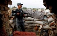 Nga đổ bê-tông ở biên giới Afghanistan