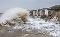Trung Quốc: Bão In-Fa đổ bộ, bồi thêm mưa lớn sau lũ lịch sử