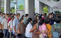 Hoảng hồn nhìn cảnh dân Thái Lan đổ xô đi tiêm vắc-xin Covid-19
