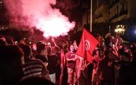 Tunisia hỗn loạn khi tổng thống tiến hành thanh trừng