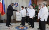 Bộ trưởng Quốc phòng Mỹ và Tổng thống Philippines tránh nhắc đến Trung Quốc?