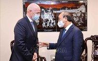 Chủ tịch nước Nguyễn Xuân Phúc tiếp Chủ tịch FIFA