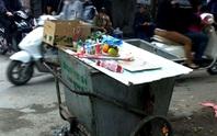 Bới rác, phát hiện xác thai nhi 8 tháng tuổi