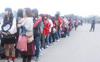Người hâm mộ vây kín sân Mỹ Đình đón sao Hàn