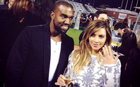 Kanye West cầu hôn Kim Kardashian