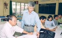 Từng thầy cô giáo phấn đấu vượt qua chính mình