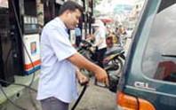 Giá xăng dầu bất ổn vì quản lý kém
