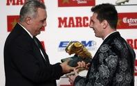 """Lionel Messi nhận giải thưởng """"Chiếc giày vàng châu Âu 2013"""""""