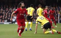 """Salah lập """"siêu phẩm"""" tựa bàn thắng của Ronaldinho và Maradona"""
