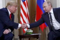 """Chính khách Mỹ """"cạn lời"""" với ông Trump sau cuộc gặp ông Putin"""