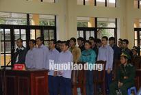 Vụ phá rừng pơ mu: Cựu phó Đồn Biên phòng cửa khẩu Nam Giang hầu tòa