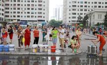 Nước sạch sông Đà nhiễm dầu, hàng vạn hộ dân nơi nào đang sử dụng?