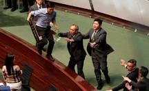 Mỹ - Trung leo thang căng thẳng vì Hồng Kông