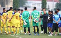 """HLV Park Hang-seo tìm cách """"bắt bài"""" UAE trong trận tối nay"""