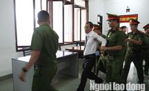 Một luật sư bào chữa cho vợ chồng ôngTrần Vũ Hải bị đưa ra khỏi tòa