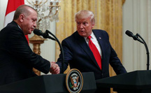 """Ông Trump gặp """"thần tượng"""" Thổ Nhĩ Kỳ, quốc hội tức tối"""