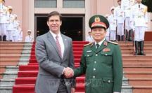 Bộ trưởng Bộ Quốc phòng Mỹ Mark Esper mang gì sang Việt Nam?