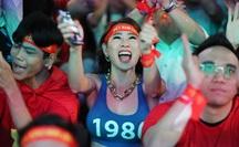 Vỡ òa giấc mơ 60 năm bóng đá Việt Nam!
