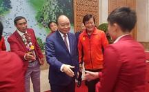 Thủ tướng nồng nhiệt chào đón, chúc mừng các HLV, VĐV đoàn thể thao Việt Nam