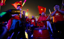 Bóng đá Việt Nam trên đường phát triển: Tiêu cực liên miên, SEA Games cũng bán độ