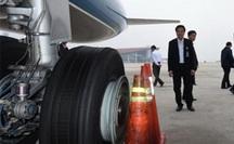 Liên tiếp phát hiện máy bay Vietnam Airlines rách lốp sau khi cất/hạ cánh
