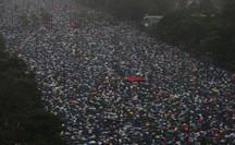"""""""Biển ô"""" tuôn xuống đường ở Hồng Kông ngày cuối tuần"""
