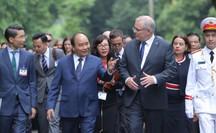 Cận cảnh Thủ tướng Nguyễn Xuân Phúc đón Thủ tướng Úc Scott Morrison