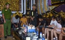 100 cảnh sát đột kích quán karaoke, phát hiện hàng chục đối tượng phê ma túy