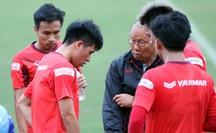 Đội tuyển Việt Nam có thể đá giao hữu với Iraq để xóa thẻ cho Đình Trọng