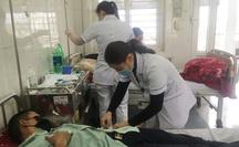 Trung Quốc bàn giao 4 công dân Việt bị sốt về nước điều trị, cách ly