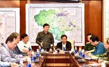 CLIP: Phó Thủ tướng Trịnh Đình Dũng gọi điện chỉ đạo lãnh đạo tỉnh Bình Định, Quảng Ngãi về bão số 9